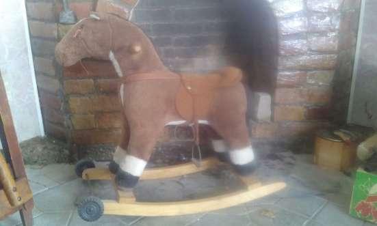 Игрушка скаковая лошадь