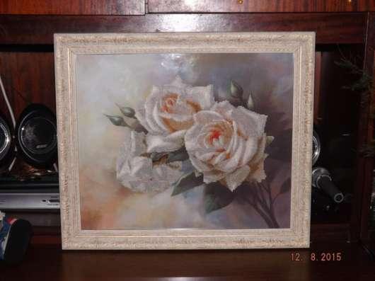 Продается картина, вышитая крестиком