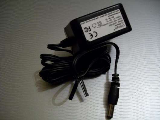 Адаптер UpBright Up091000 Power Supply 9VDC/1A