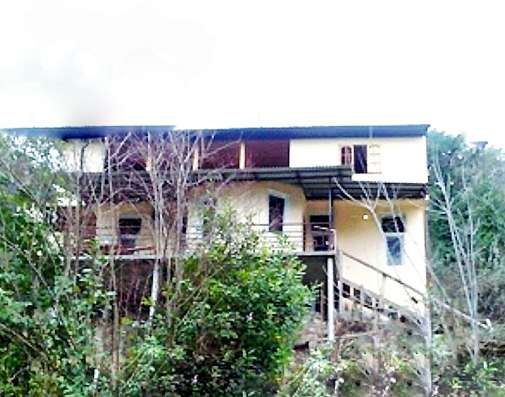 Абхазия. Гагра. Двухэтажный дом 120 кв. м. Участок 8 соток