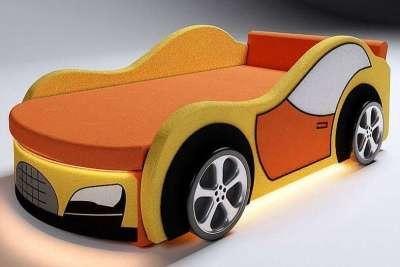 Мягкая кровать-машина в оранжевом цвете