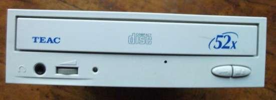 CD привод TEAC CD-552E