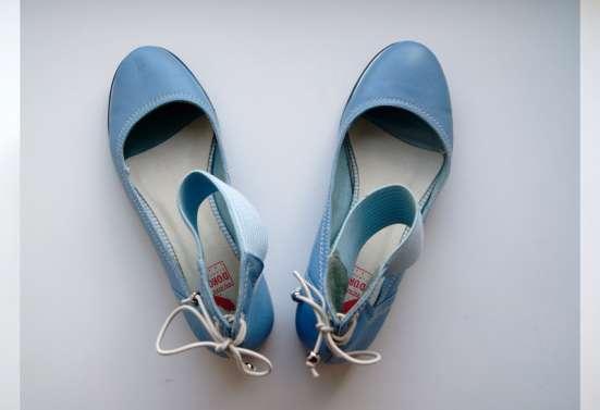 Летние туфли со шнуровкой