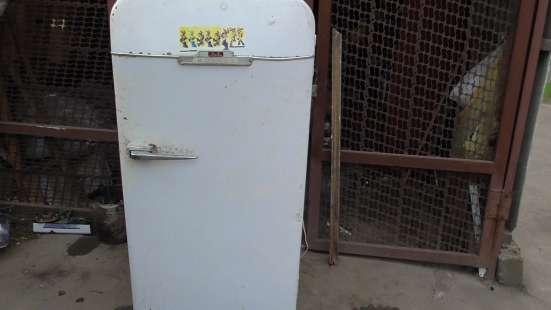 Продаю Холодильник ЗИЛ-МОСКВА как раритет