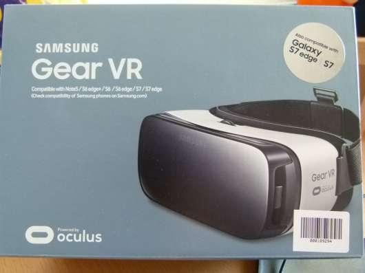 Очки виртуальной реальности. Samsung Gear VR. S7EDGE.
