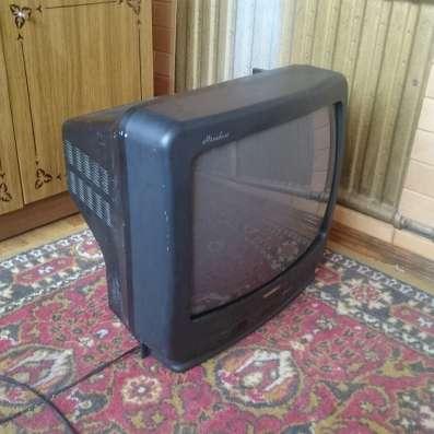 Старый телевизор GoldStar
