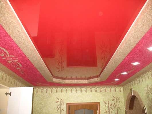 Бесшовные натяжные потолки Poliplast Бельгия в гостинной в г. Саки Фото 2