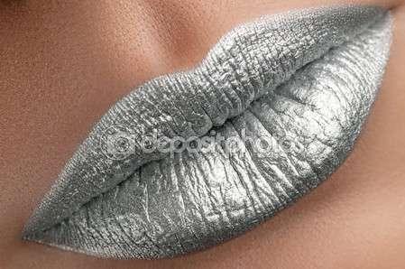 "Цветная губная помада ""Danimer"". Цвет Silver (Серебро)"