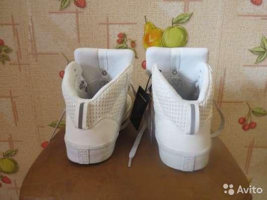 Кросовки бренд