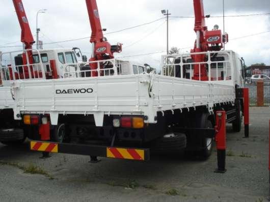 Бортовой грузовик DAEWOO NOVUS (SE CC6CT) борт 7т стрела 7т