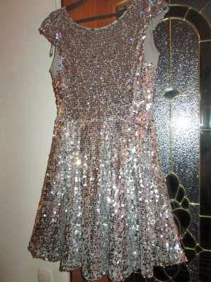 Платье нарядное серебристое. паетки блестящие 40 размера в г. Алматы Фото 2