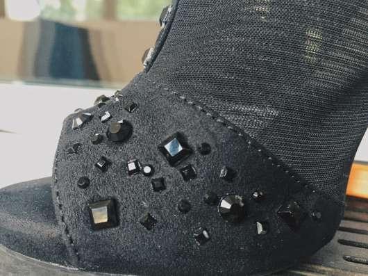 Босоножки, туфли Bershka 35 размер