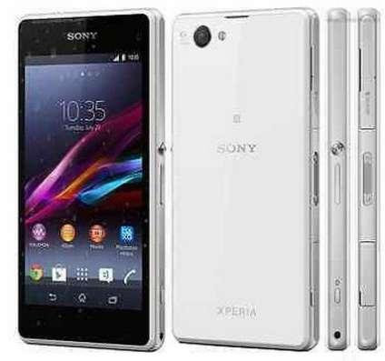Телефон Sony Ericsson Xperia Z1 Compact D5503