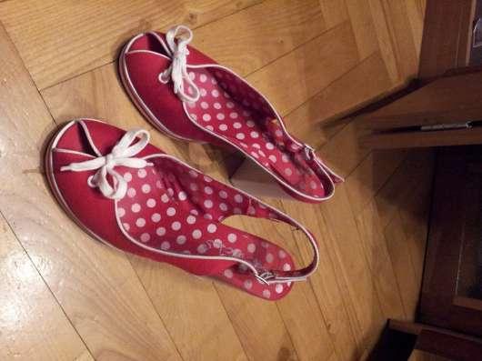 Туфли красные текстильные 38р Устойчивый каблук в Москве Фото 3