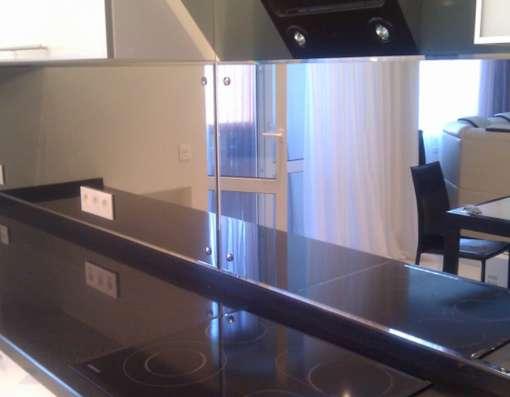 Фартуки на кухню, панно из стекла