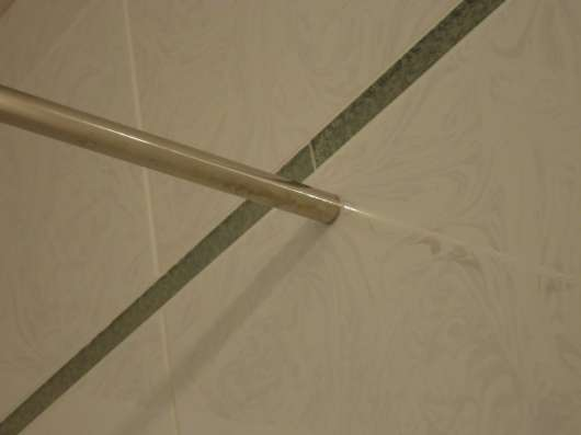 Изготовление прямых карнизов в ванную из нерж. стали