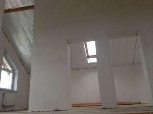 """Продается дом на берегу водохранилища, в дачном поселке """"Маяк"""", вблизи д.Лубенки, Можайского района, 102 км от МКАД по Минскому шоссе."""