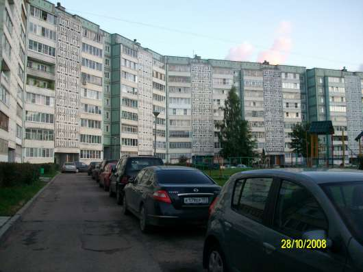 Продается 2-х ком. квартира, улучшенной планировки, 52 мкр