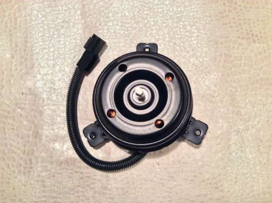 Мотор вентилятора охлаждения 2538617000 Hyundai Matrix