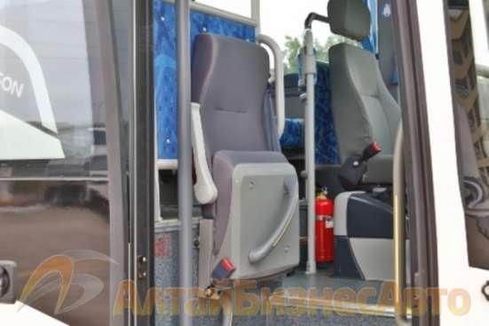 Междугородний автобус GOLDEN DRAGON XML 6957JR