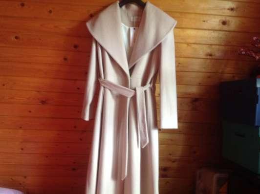 Пальто осеннее, новое, размер 48