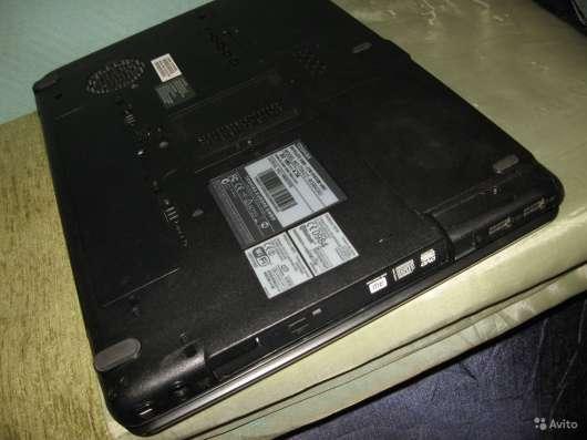 Нижняя панель для мат. платы Toshiba A300-27W в Москве Фото 4