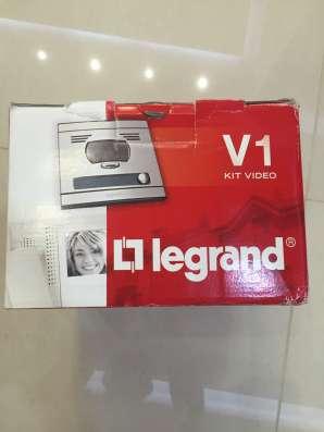Продам видиодомафон Legrand V-1 kit video