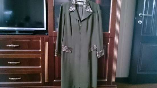 Платье на 46-48 размер, длина чуть ниже колена
