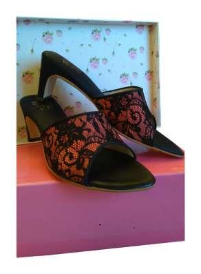 Домашние туфли на каблуке