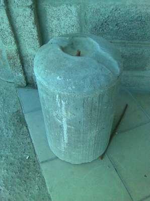 Столбик парковочный бетонный с креплением и покраской в Тюмени Фото 1