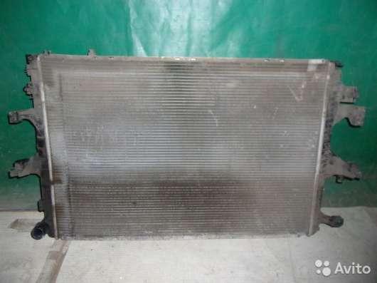 Радиатор охлаждения на Volkswagen Transporter T5