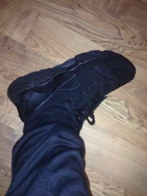 Продам новые кроссовки Nike