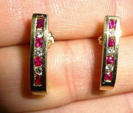 Красивые серьги - гвоздики золото бриллиант рубин